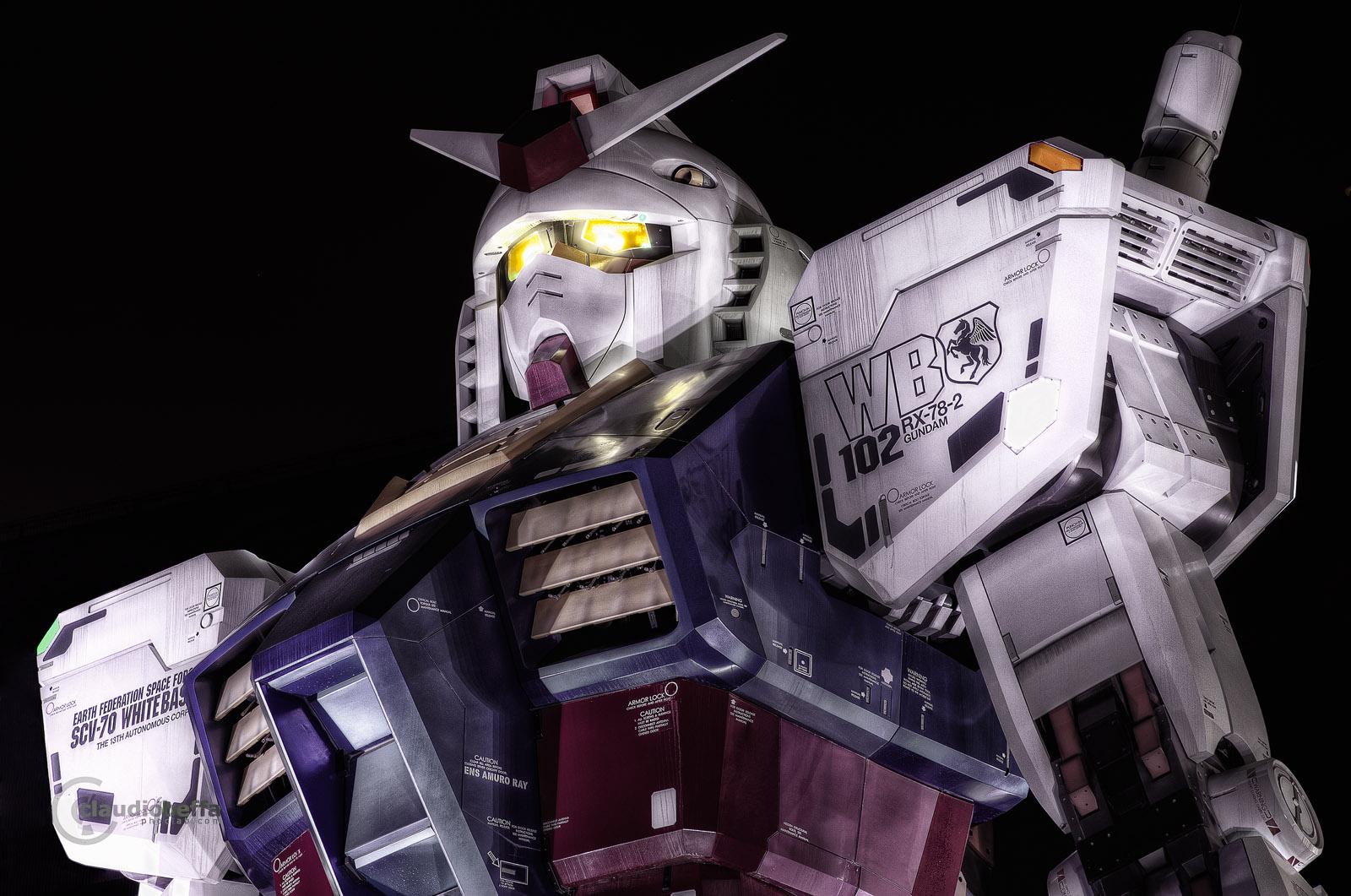 RX-78-2 Gundam Full Scale Statue Odaiba Tokyo Japan