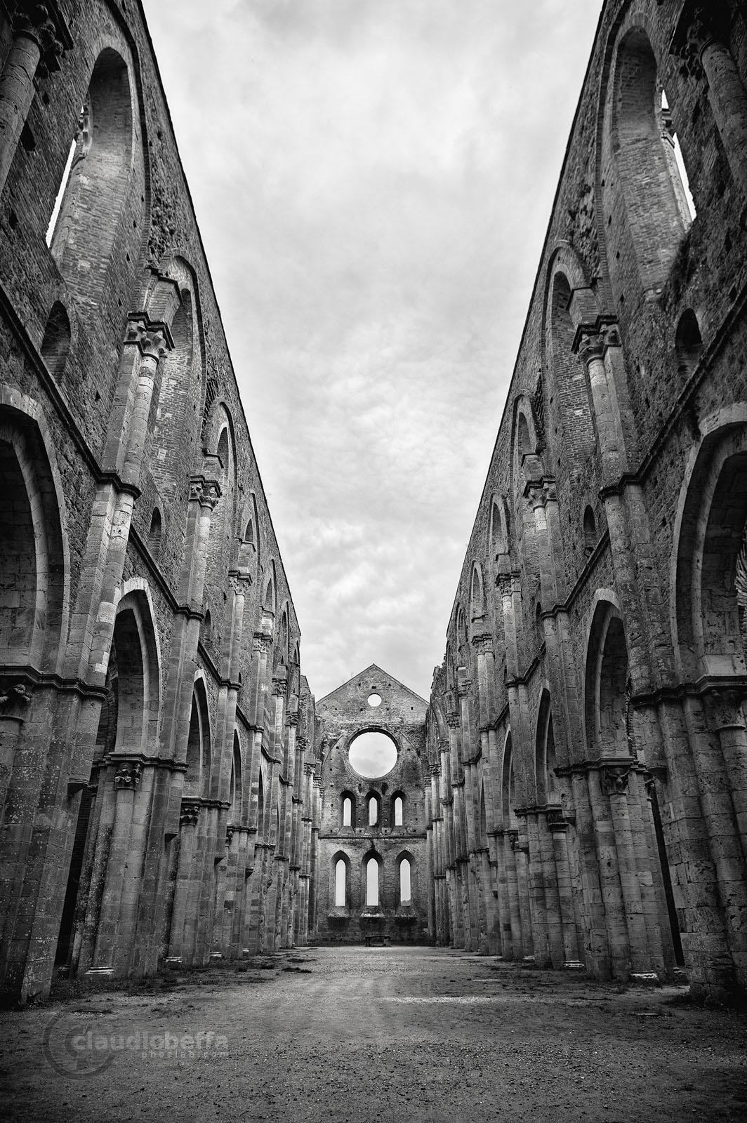 San Galgano, Abbey, Nave, Windows, Layers, Light, Shadows, Capitals, Arches, Ruin, Tuscany, Italy, Nature, History, Architecture, Symmetry