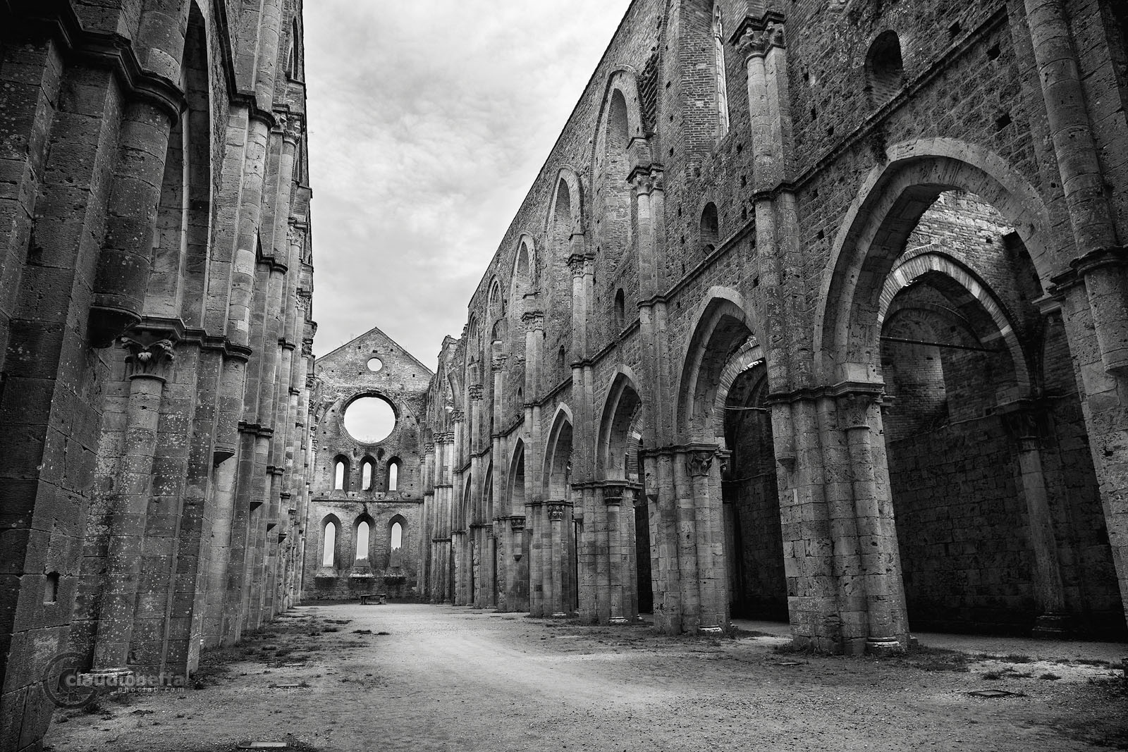 San Galgano, Abbey, Nave, Windows, Layers, Light, Shadows, Capitals, Arches, Ruin, Tuscany, Italy, Nature, History, Architecture