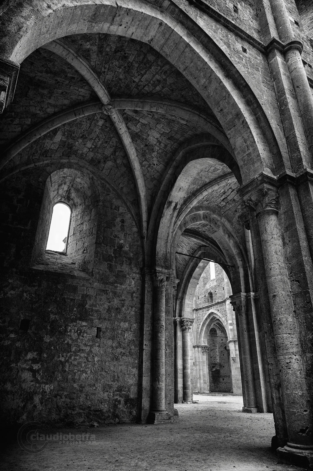 San Galgano, Abbey, Nave, Windows, Layers, Light, Shadows, Capitals, Arches, Ruin, Tuscany, Italy, Nature, History, Architecture