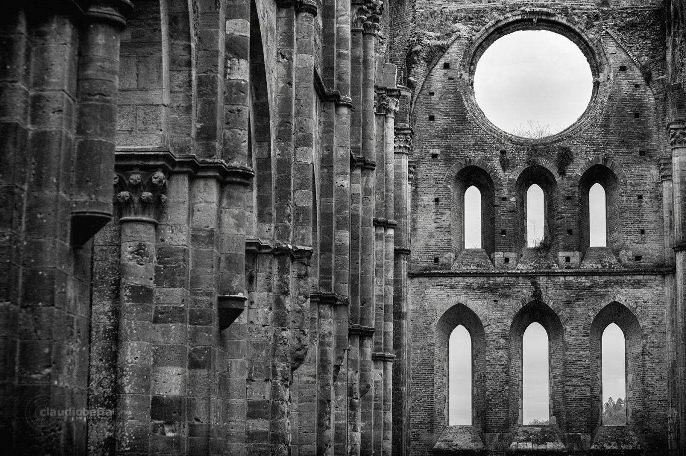 San Galgano, Abbey, Nave, Apse, Rose, Windows, Layers, Capitals, Arches, Ruin, Tuscany, Italy, Nature, History, Architecture