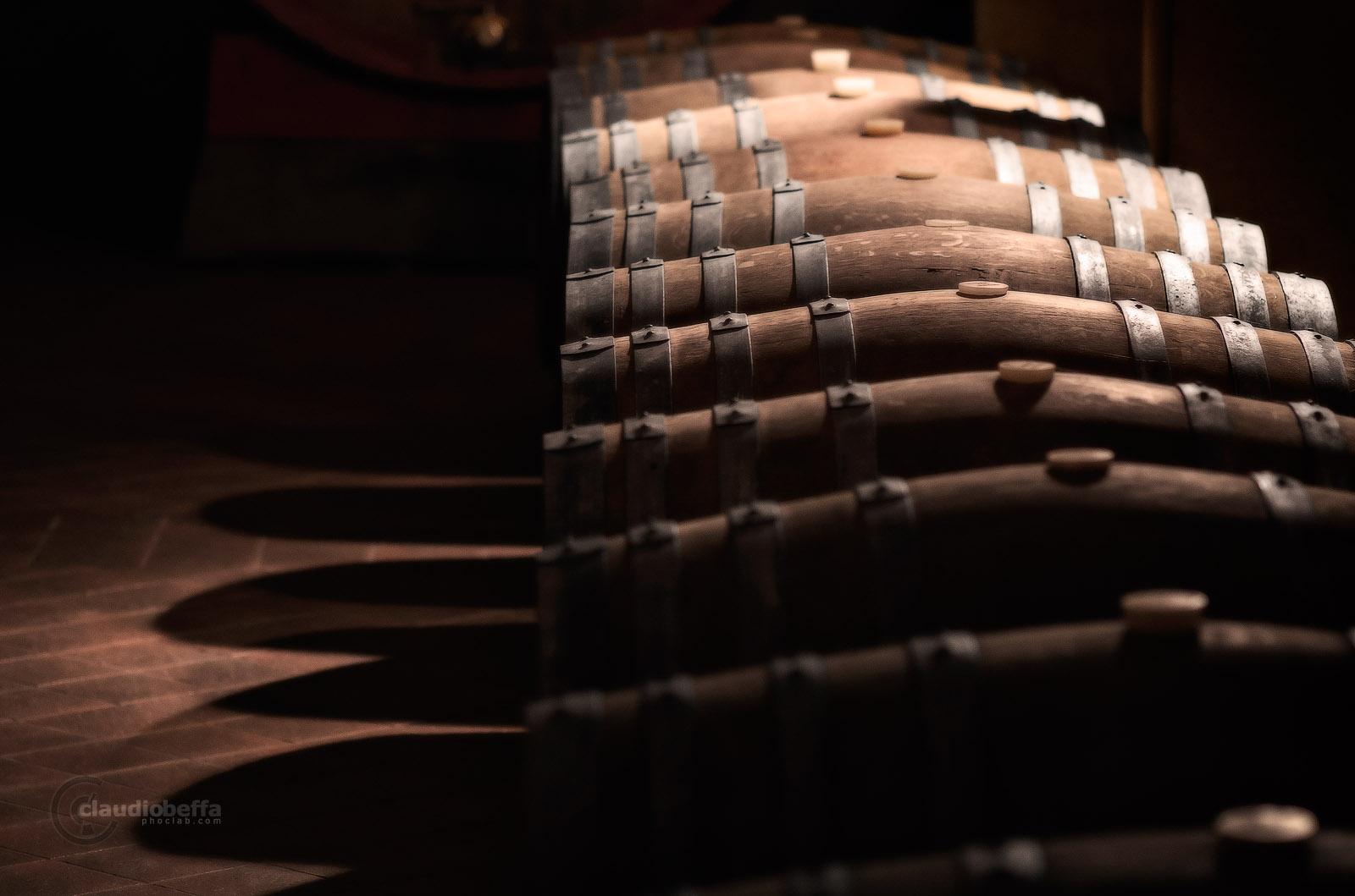 Casks, Cellar, Light, Dark, Wine-making, Wood, Steel, Tuscany, Toscana, Val d'Orcia, Italy, Italia