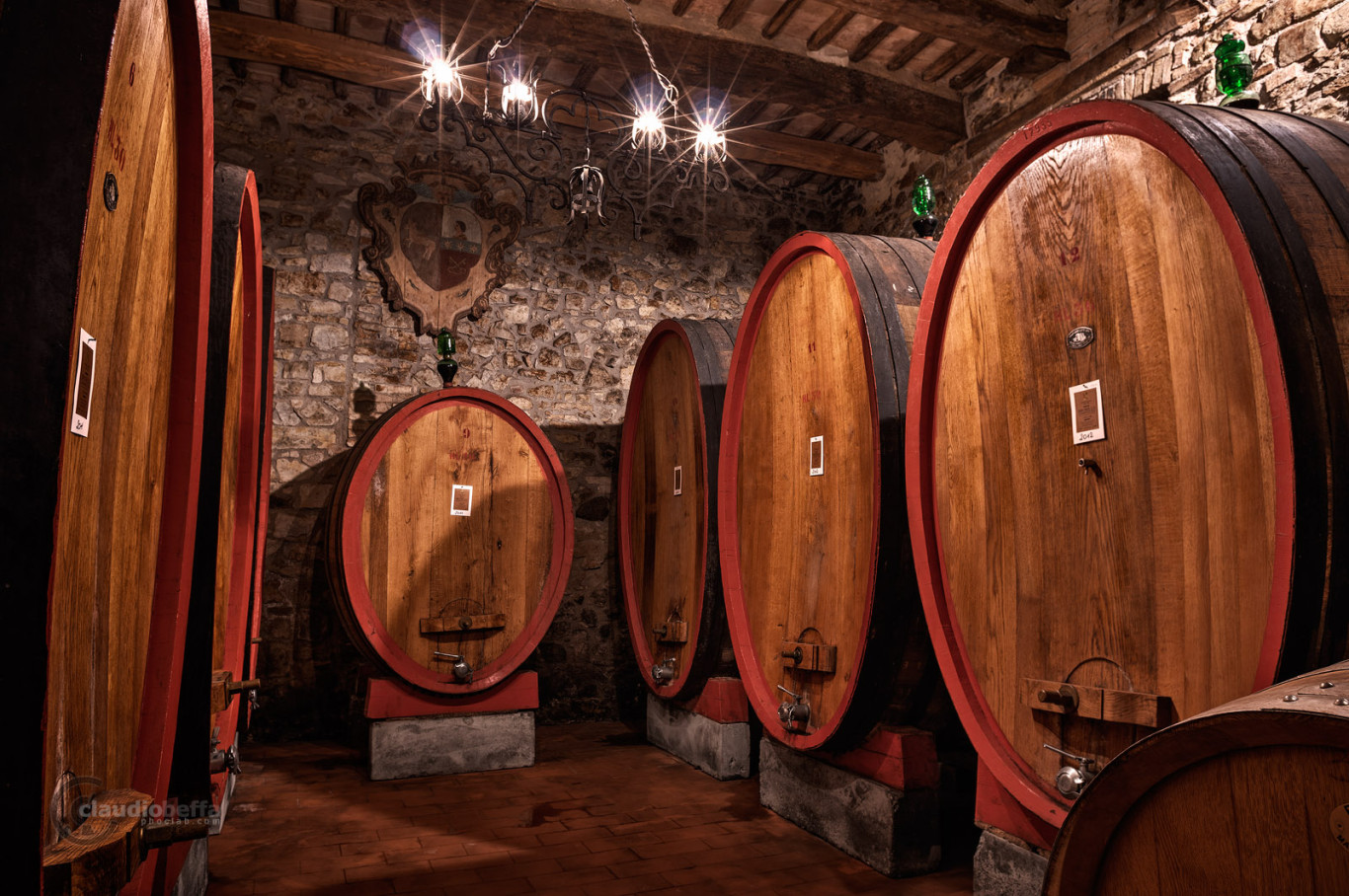Cellar, Casks, Ancient, Wine, Wine-making, Costanti, Tuscany, Toscana, Val d'Orcia, Montalcino, Italy, Italia, gathering