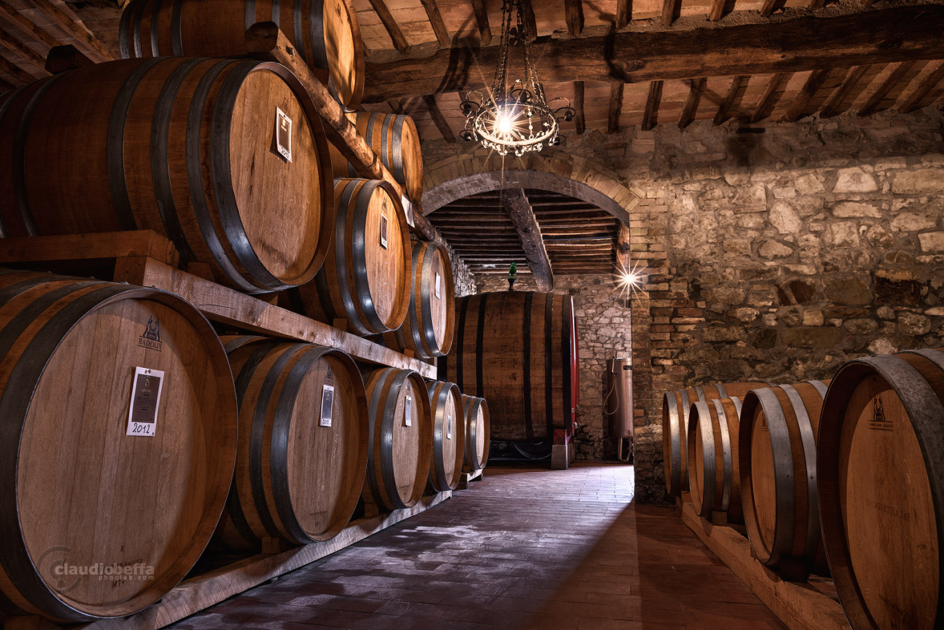 Cellar, Casks, Ancient, Wine, Wine-making, Costanti, Light, Wood, Bricks, Tuscany, Toscana, Val d'Orcia, Montalcino, Italy, Italia