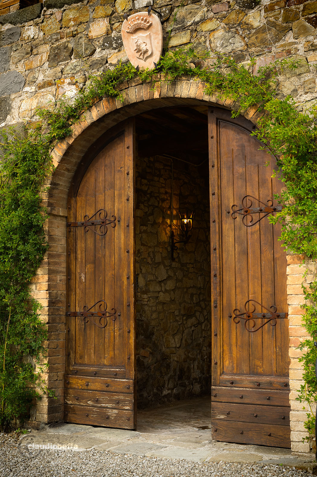 Farmhouse, Gate, Cellar, Wine, Wine-making, Costanti, Tuscany, Toscana, Val d'Orcia, Montalcino, Italy, Italia