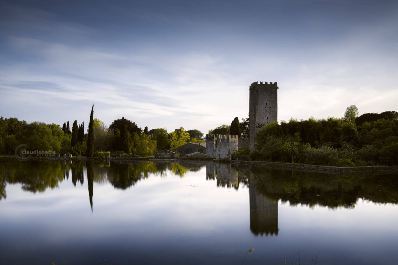 Garden of Ninfa, Garden, Ninfa, Mirror of lifeblood, Italy, Tower, Lake, Reflections, Nature, Spring, Travel, Travel Photography, Ancient, Romantic