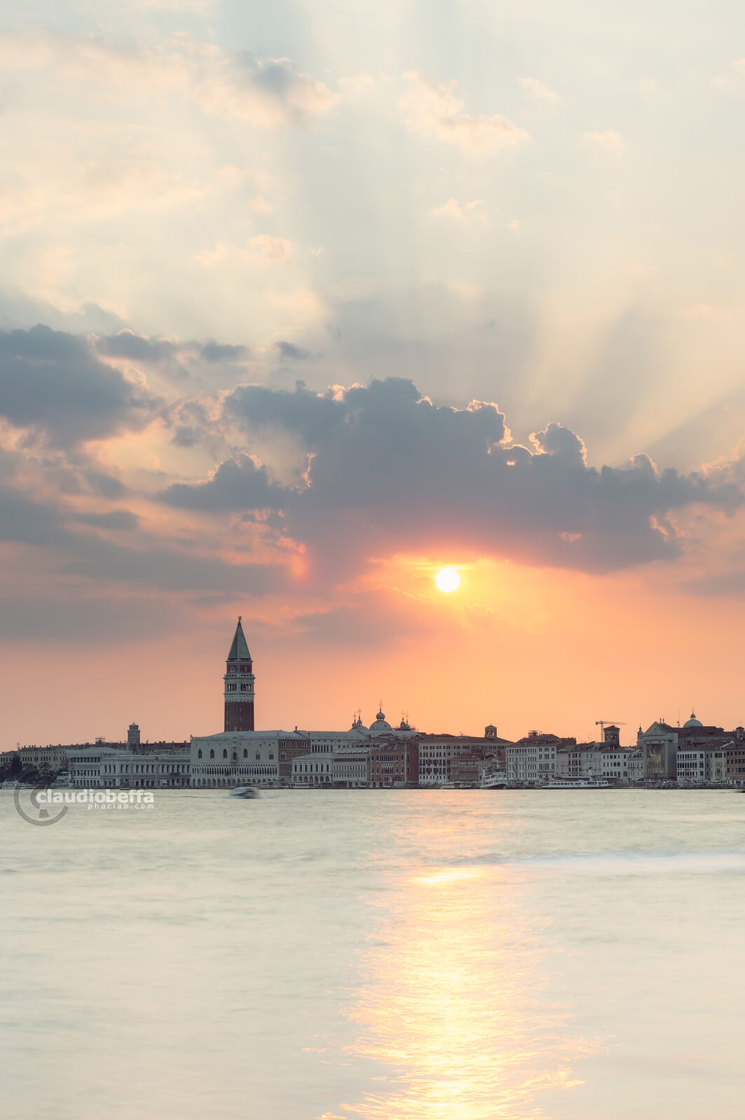 Sunset, Mirage of Venice, Venice, Venezia, Italia, San Marco, Riva degli Schiavoni, Lagoon, Water, Reflections, Bursts of light, Painterly, Colors