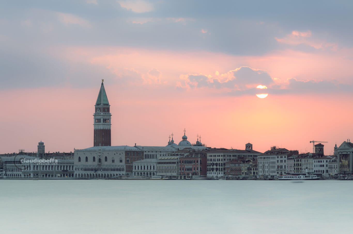 Sunset, Pastel sunset, Venice, Venezia, Italia, San Marco, Riva degli Schiavoni, Lagoon, Water, Reflections, Bursts of light, Pastel, Colors