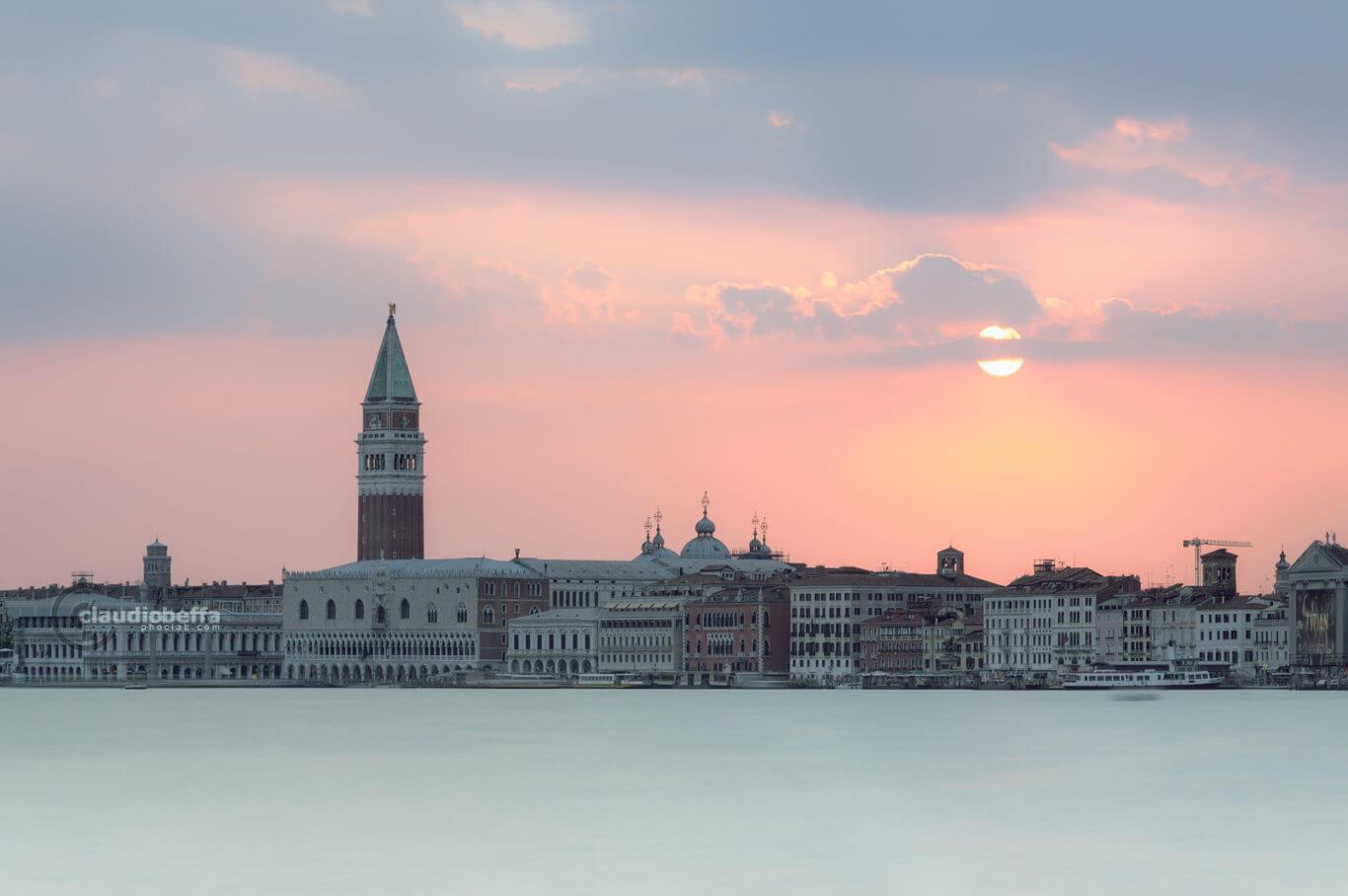Sunset, Pastel sunset, Venice, Venezia, Italia, San Marco, Riva degli Schiavoni, Lagoon, Water, Reflections, Bursts of light, Pastel, Colors
