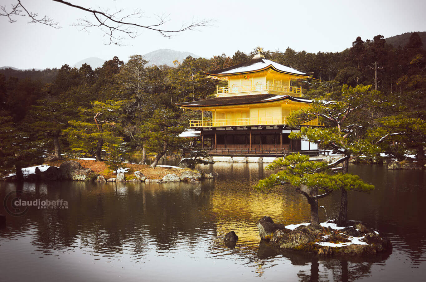 snow on the Kinkakuji, Kinkakuji, Gold, Pavilion, Snow, Winter, Kyoto, Japan, Pond, Water, Trees, Reflections, Travel