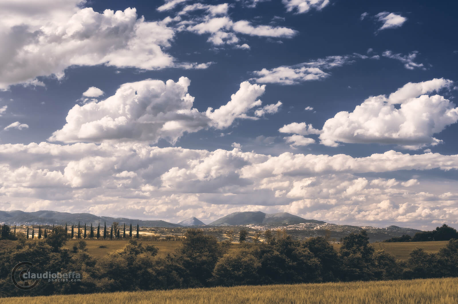 layers of beauty, countryside, landscape, hills, trees, mountains, sky, clouds, umbria, italy