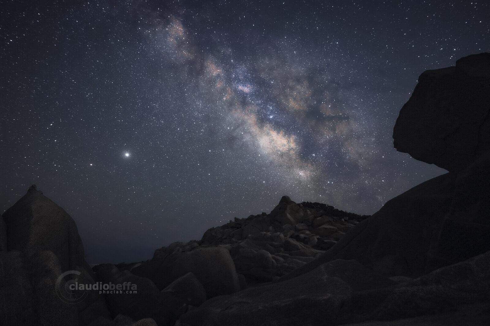 Milky Way, core, stars, Jupiter, night, rocks, stones, astrophotography, nightphotography, sardinia, italy, landscape