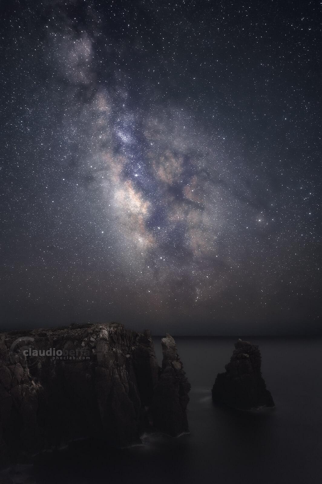 Milky Way, core, stars, Jupiter, night, rocks, stones, pillars, sea, astrophotography, nightphotography, sardinia, italy, landscape